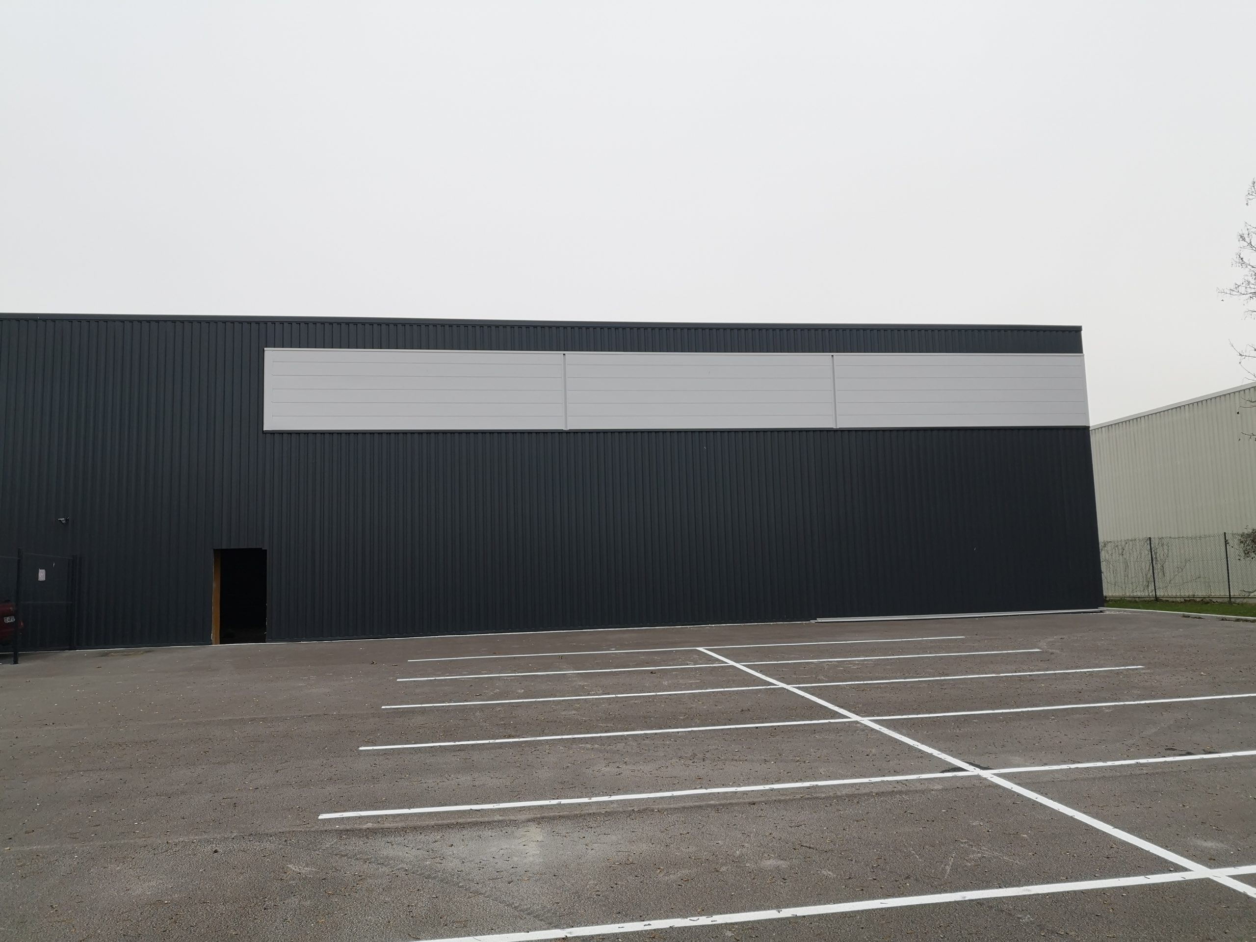 Bâtiment d'activité – Z.I Farman – 630 m²