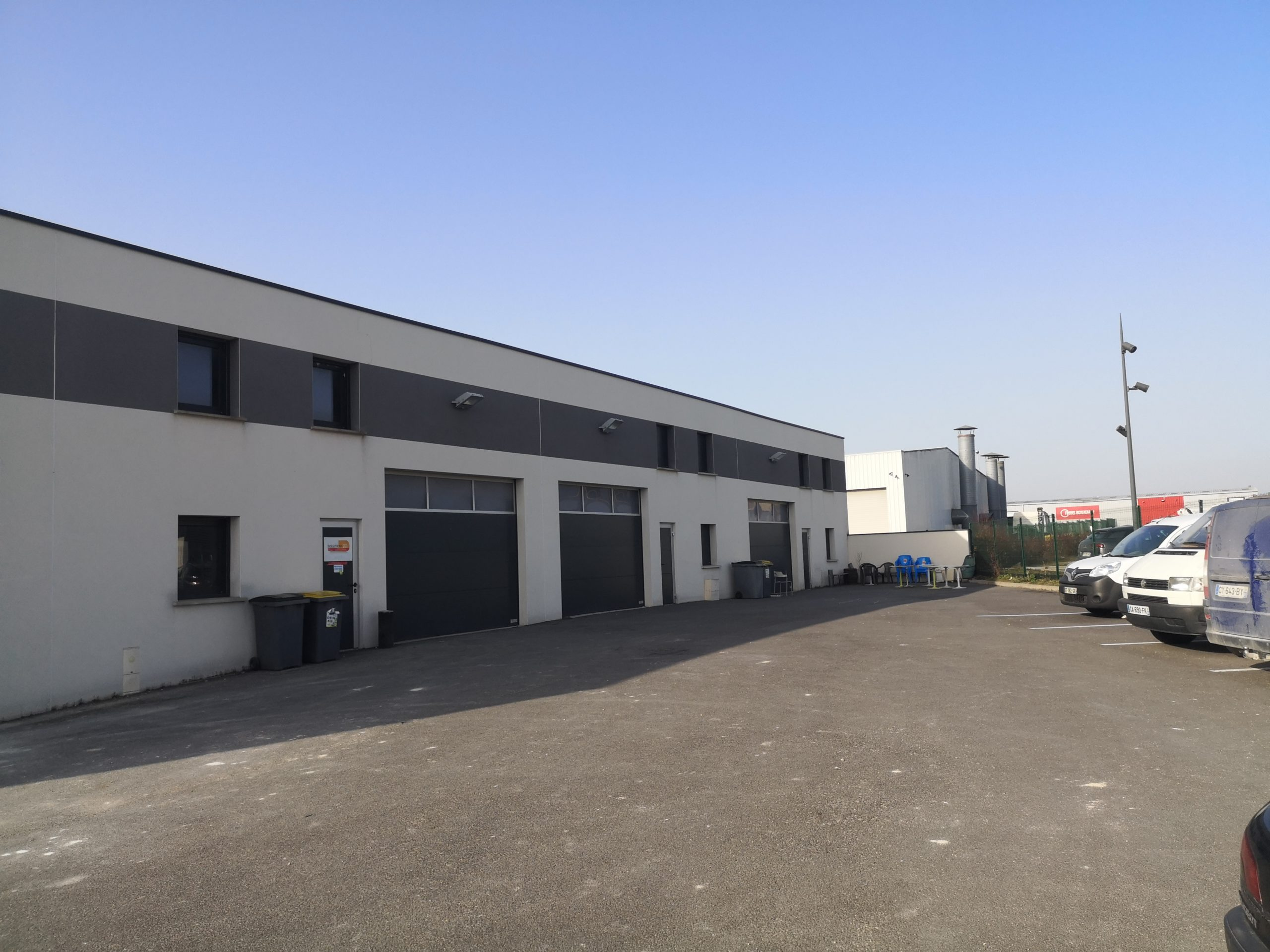 Local d'activités – 192 m² – La Neuvillette